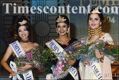 Sushmita Sen with her runners up Aishwarya Rai and Francesca Hart