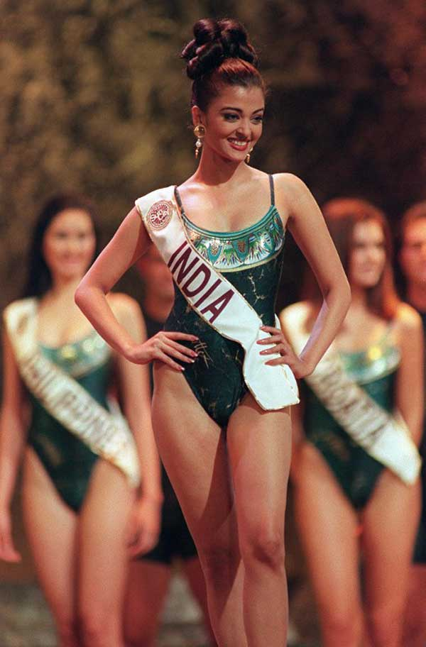 Aishwarya during Swimsuit round of Miss World 1994. She also bagged Miss Photogenic award that year.